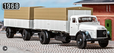 Brekina-Volvo-Titan-85601