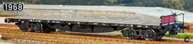 Vierachsiger Schienenwagen